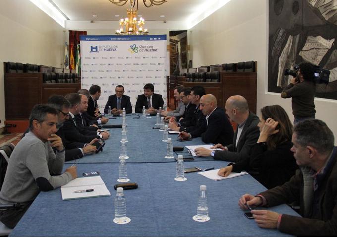 Unión sin fisuras de la provincia de Huelva en la reivindicación por el tren