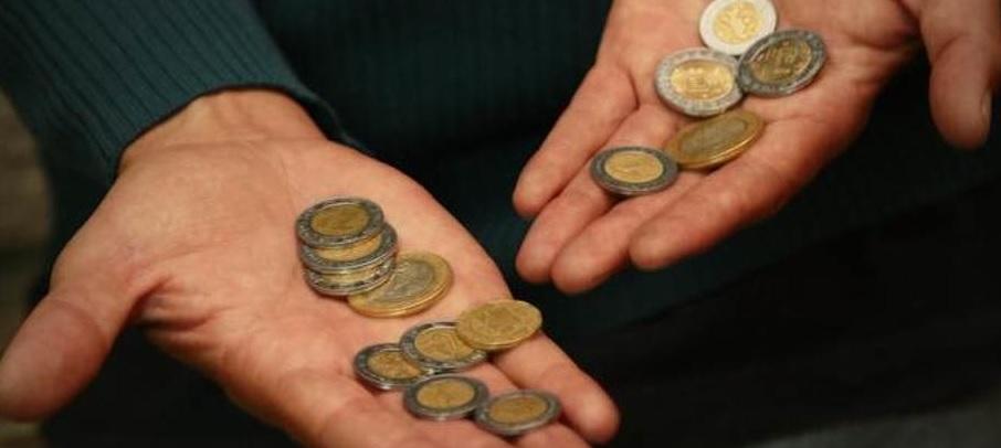 El aumento de los contratos de menos de una semana empuja los salarios a la baja