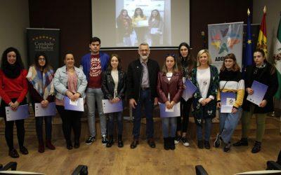 65 jóvenes beneficiarios de las becas HEBE finalizan sus prácticas empresariales